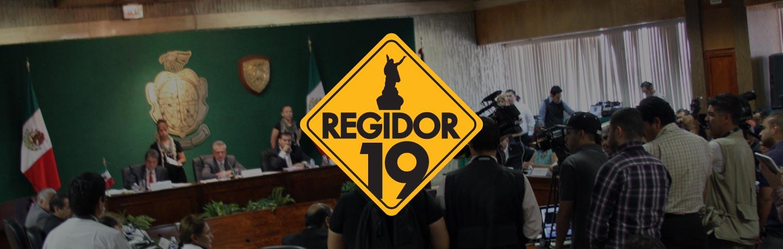 Foto de sesión con el logo de Regidor 19